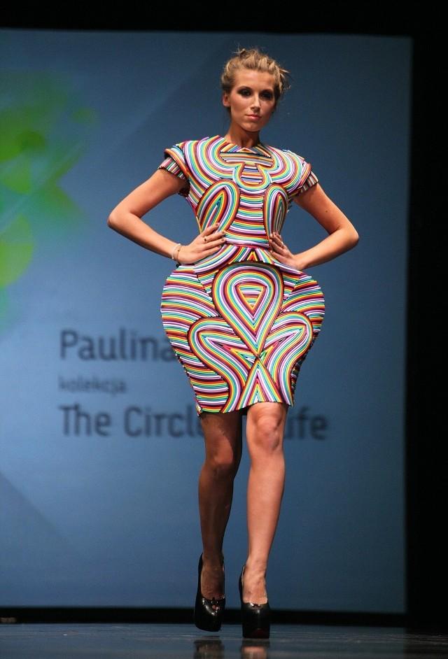 Laureatką ubiegłorocznej edycji Re Act Fashion Show była Paulina Bojór z kolekcją wykonaną ze zużytych przewodów elektrycznych