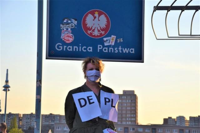 Pogranicze polsko-niemieckie od czasu wybuchu pandemii koronawirusa drastycznie się zmieniło... Mieszkańcy Słubic i Frankfurtu przeszli wiele ciężkich chwil. Były też momenty radości. Przejdź do galerii i zobacz, co tam się działo w 2020 roku >>>