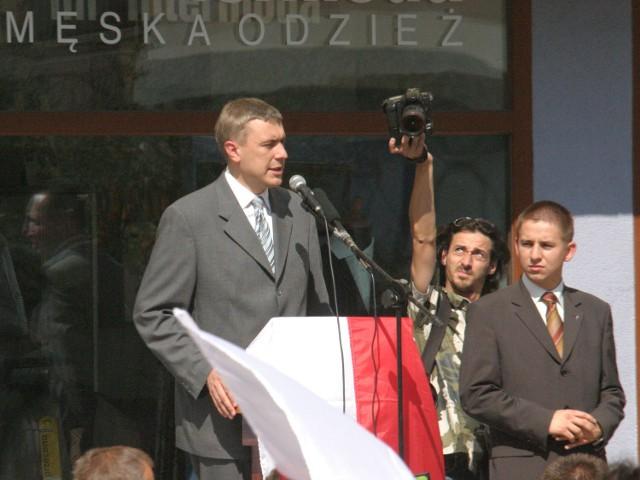 Rok 2005 - Roman Giertych na legnickim rynku