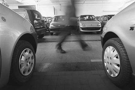 Sporym wzięciem cieszą się samochody popularnych marek. Fot. TOMASZ JODŁOWSKI