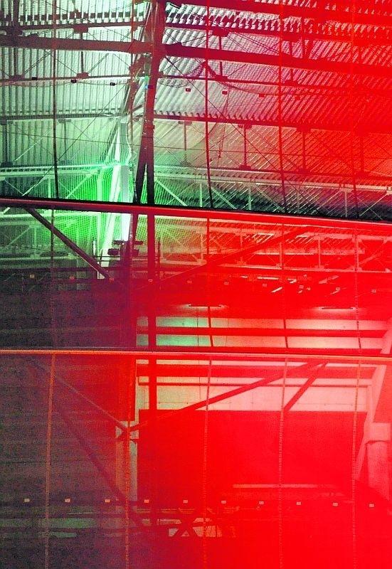 Nocą stadion będzie mógł wyglądać jak lampion: raz na czerwono...