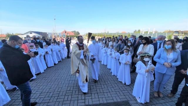 W parafii św. Jadwigi Królowej w Inowrocławiu odbyła się I Komunia Święta uczniów SP nr 4