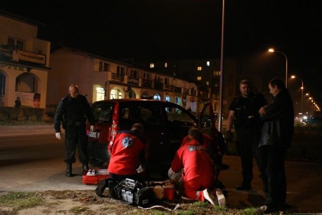 Kierowcą zajęli się ratownicy medyczni