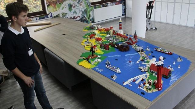 Powiat pucki z klocków Lego - panorama powiatu