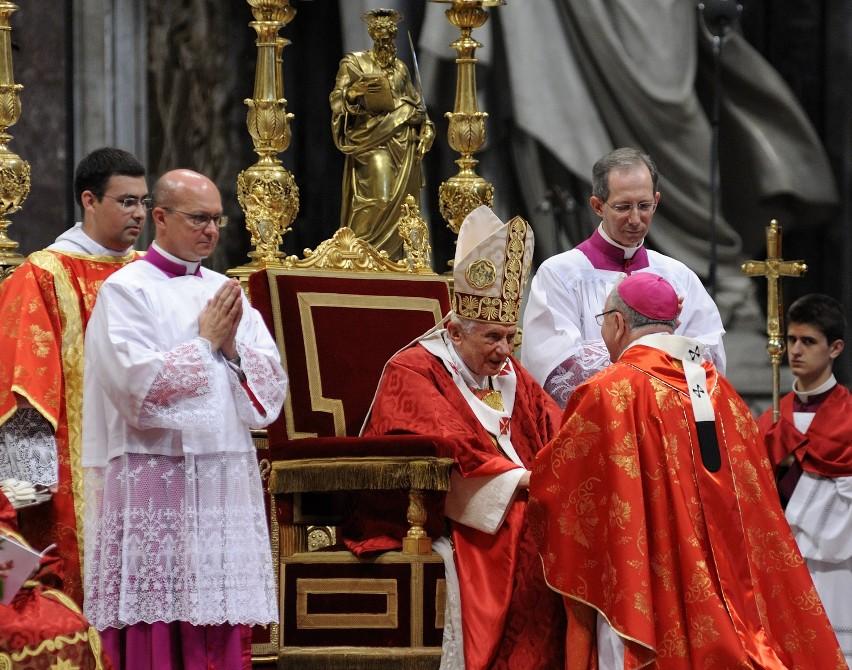 W piątkowym Kurierze: Za murami Watykanu