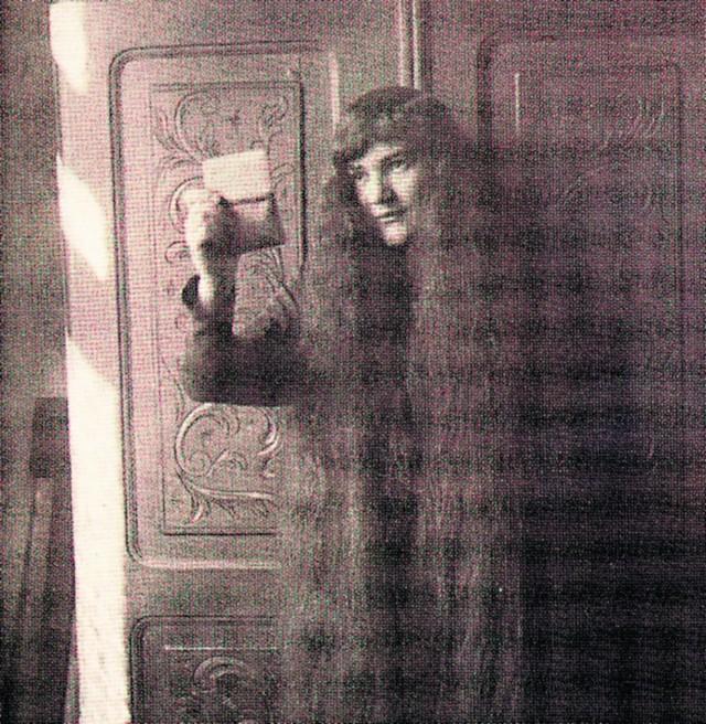 Panią Bovary  nazywa Nowicki kobietę ze starej fotografii