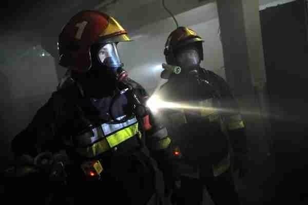 Pożar nie okazał się bardzo groźny, ale mieszkanka Rawicza odniosła ciężkie obrażenia i zmarła w szpitalu