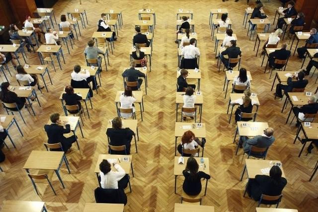 Matura 2012: Dzisiaj egzamin z wiedzy o społeczeństwie