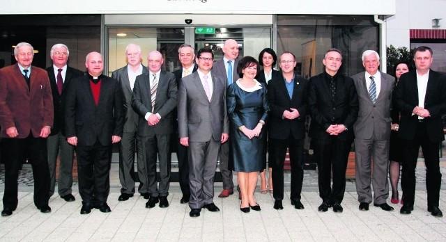 Członkowie kapituły przed  Hotelem Gdańsk, w którym w tym roku wybraliśmy Człowieka Roku