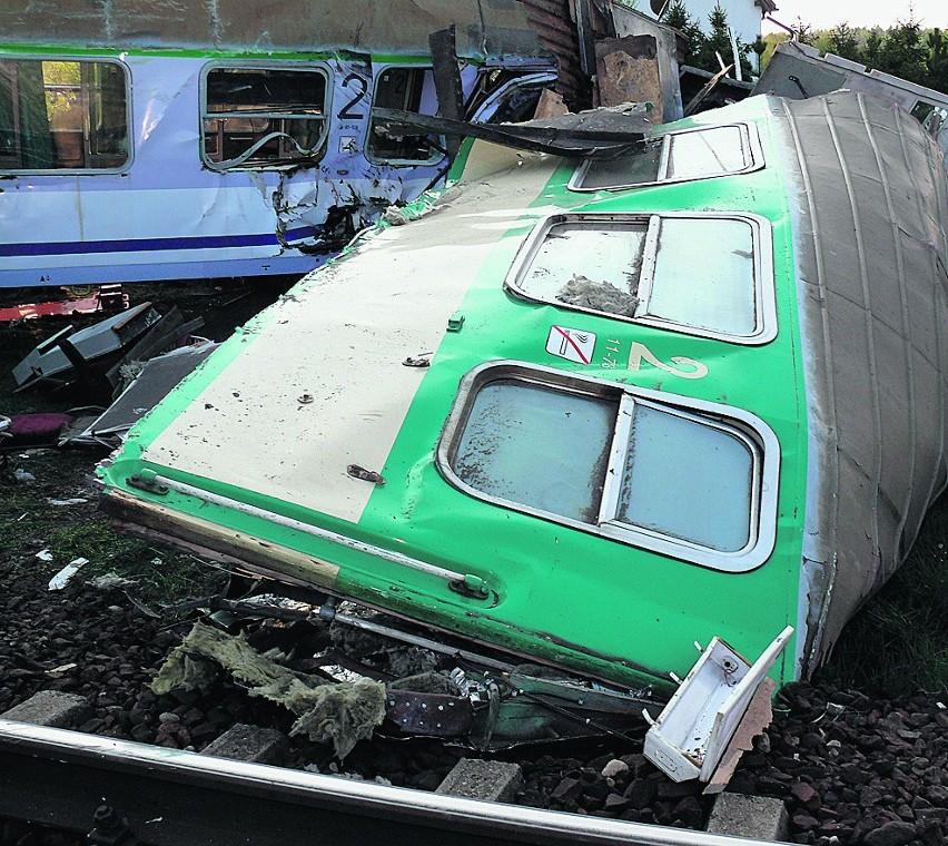 Podczas katastrofy zginęły 2 osoby, 25 zostało rannych