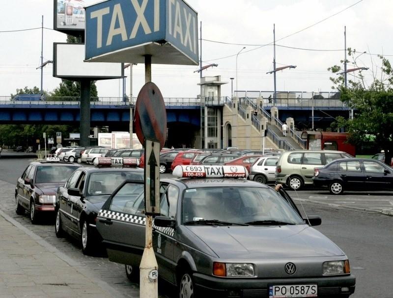Może wkrótce sprawa postoju dla taksówek przy Dworcu Głównym doczeka się rozwiązania.