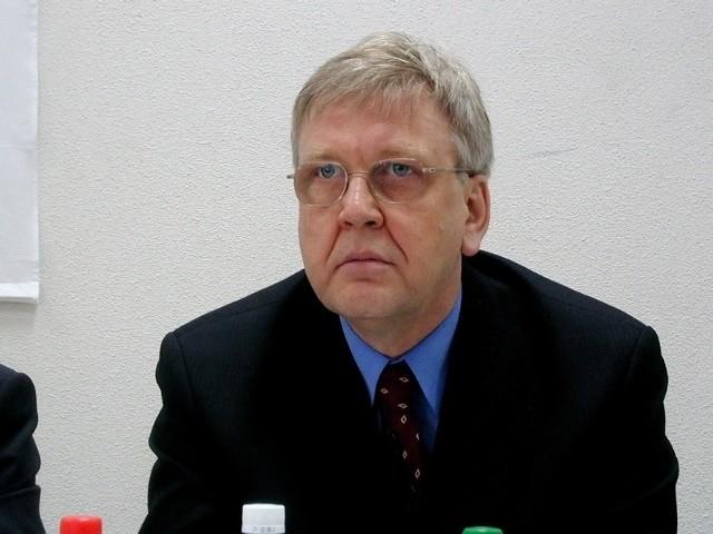 Marek Markiewicz, kandydat PiS na posła, zapowiada, że nie odpuści człowiekowi-motylowi.