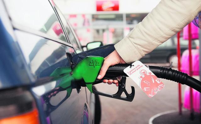 Tanie paliwo to tylko pozorna oszczędność. Remont uszkodzonego silnika może kosztować dużo więcej