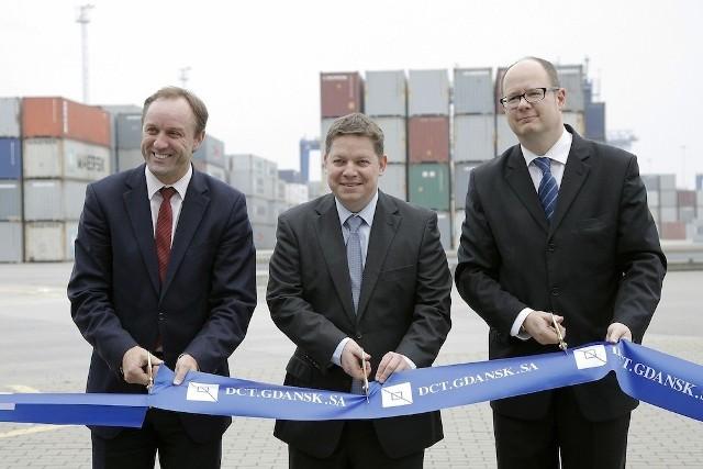 Uroczyste otwarcie dodatkowych powierzchni składowych kontenerów - Mieczysław Struk, Boris Wenzel i Paweł Adamowicz