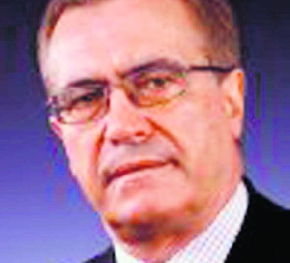 Prof. Jan CzekajMa 61 l., jest związany z Uniwersytetem Ekonomicznym w Krakowie od studiów. Zajmuje się funkcjonowaniem rynków kapitałowych. W rządach SLD był wiceministrem przekształceń własnościowych i finansów. Członkiem RPP był w latach 2003-2010.