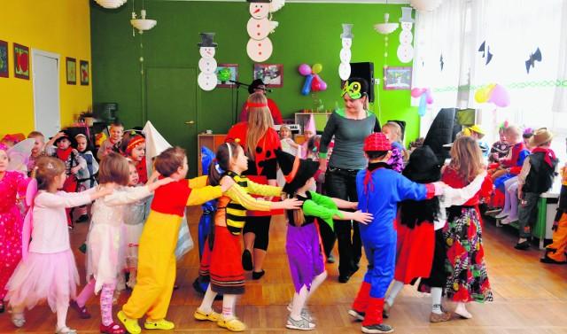 Coraz częściej przedszkola przyjmują dzieci 2,5-letnie, pod warunkiem że są samodzielne