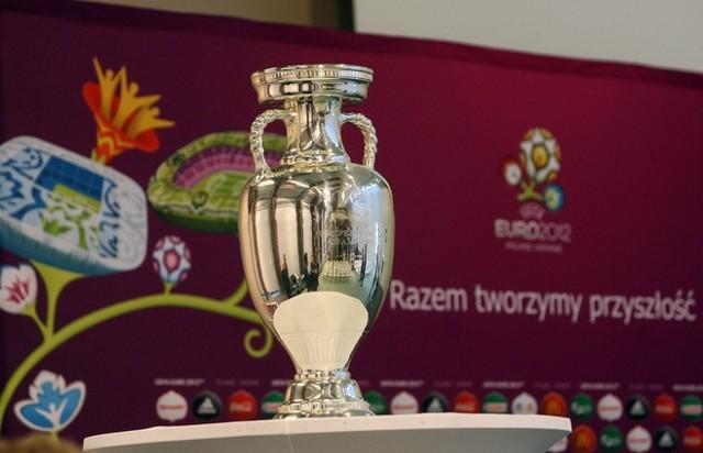 Na pl. Wolności zostanie wystawiony puchar Henri Delaunaya, czyli trofeum Euro 2012.