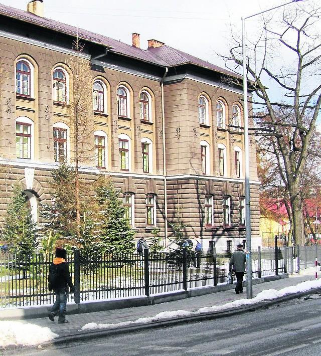 W szkole przy ulicy Mickiewicza działa już dwujęzyczne gimnazjum. Teraz pora na licealistów