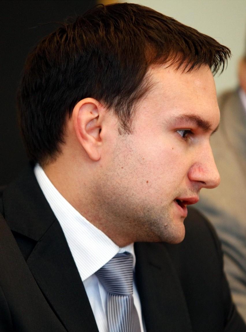 SLD tworzy ruch na rzecz odwołania Grobelnego - zapowiada radny Tomasz Lewandowski, szef poznańskiego SLD