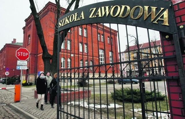 Legnicka uczelnia zawodowa dostała z Unii 3,7 mln zł. Jej władze uważają, że za mało