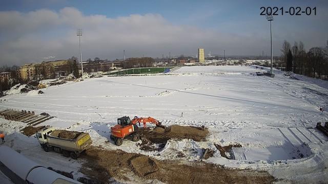 Zima utrudnia prace na stadionie Limanowskiego