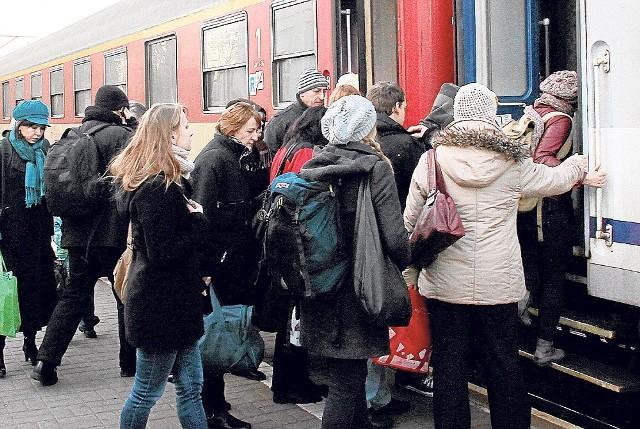 Prząśniczka z Warszawy do Łodzi zamiast o 17:00 odjeżdża o 19:52.