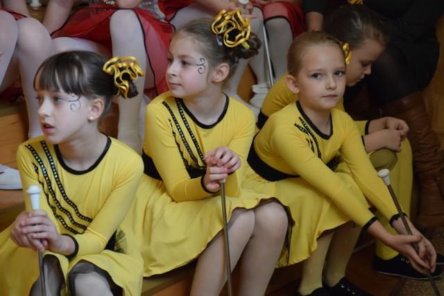 Można rozwijać się tanecznie w zespole Mażoretek