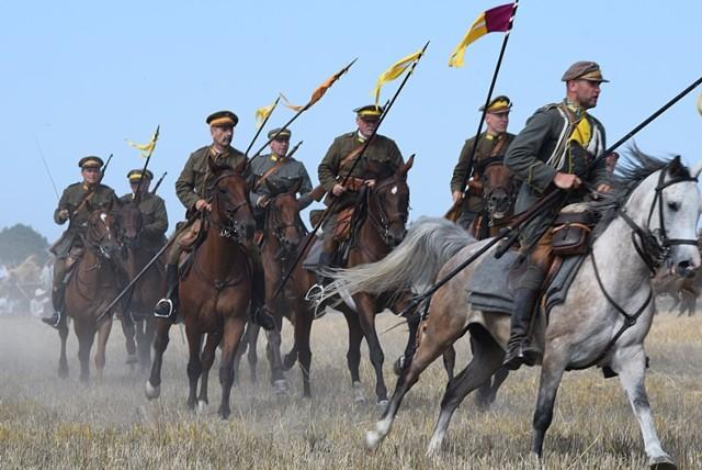 99. rocznica bitwy pod Komarowem. Wielka rekonstrukcja w Wolicy ...