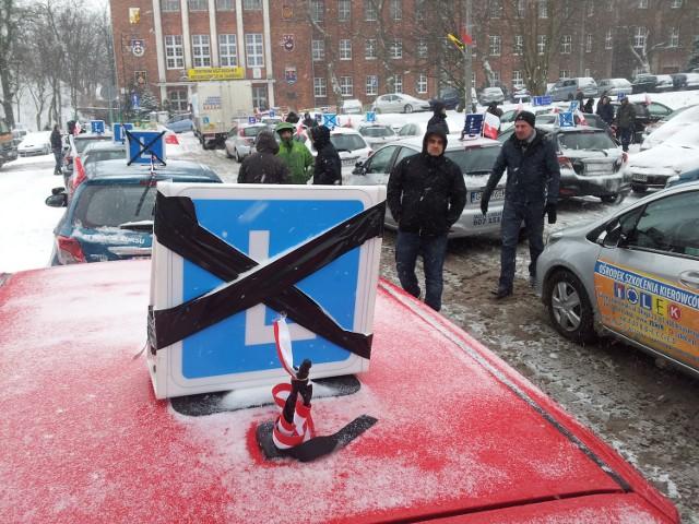 Protest instruktorów jazdy w Gdańsku