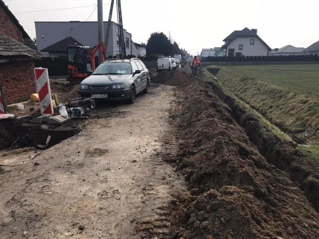 Wznowiono prace budowlane drogi przy ulicy Kochanowskiego