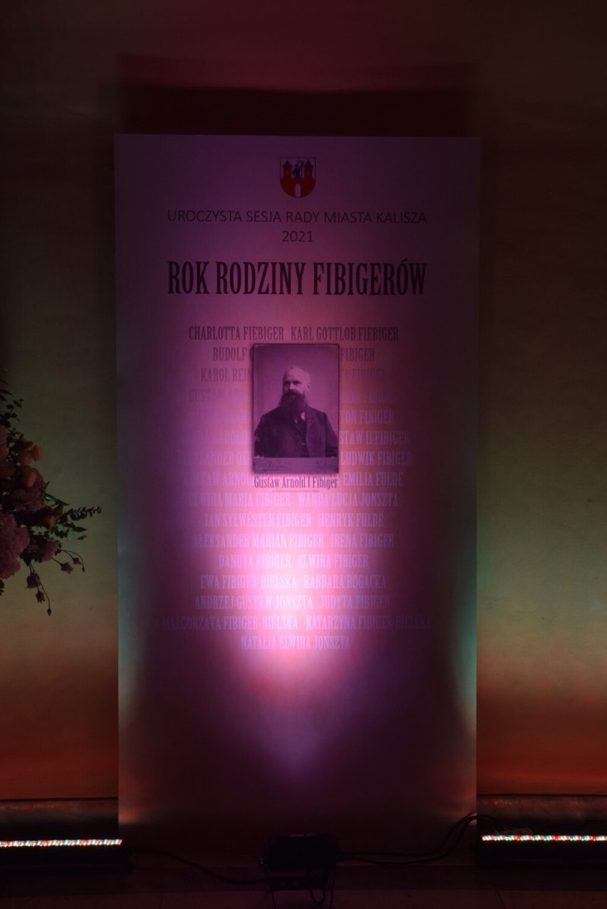 Uroczysta Sesja Rady Miasta Kalisza. Uhonorowano osoby...