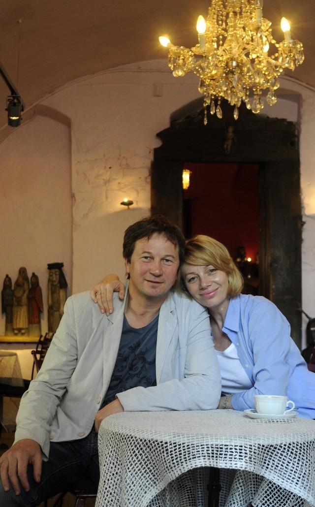 Piotr Cyrwus ożenił się z poznanianką i co roku wypoczywa w Skokach pod Wągrowcem