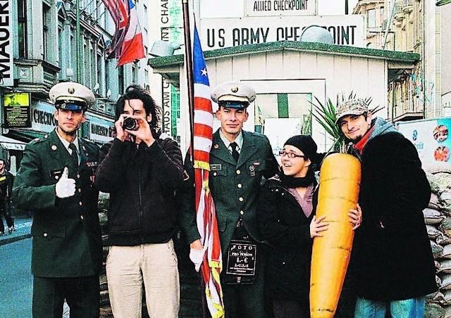 Bartek Konopka (pierwszy z prawej) już promuje film w USA