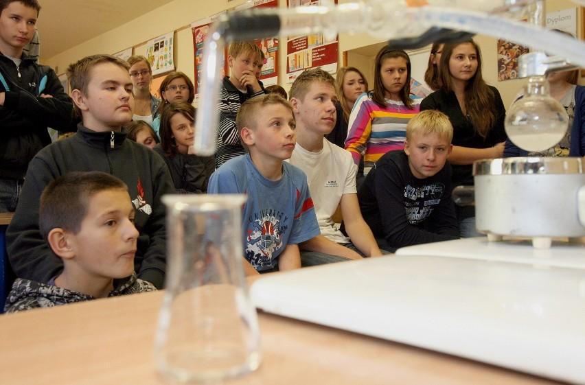 Niezwykła lekcja chemii w szkole w Dłutowie
