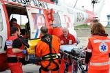Bałtyk: Załoga śmigłowca MW uratowała chorego wędkarza