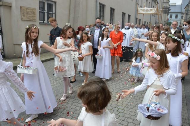 Boże Ciało, Piotrków 2020: Procesja od FARY w Piotrkowie