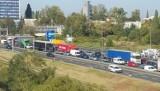 Rozlany beton na A4 w Katowicach! Autostrada na wysokości CH 3 Stawy jest właściwie nieprzejezdna.