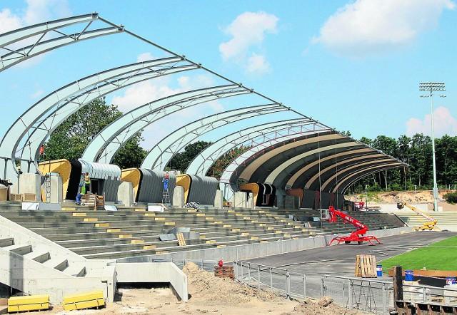Stadion w Puławach już dziś wygląda imponująco, a przedstawiciele spółki PL 2012 byli pod wrażeniem