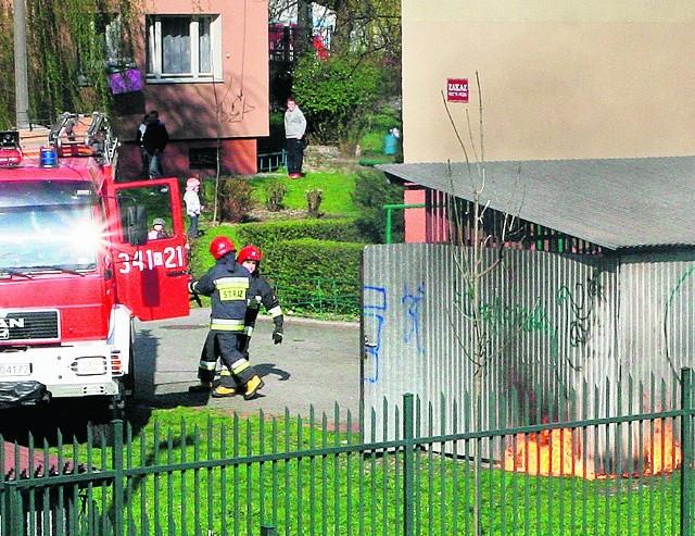 W osiedlu Kochanowskiego ogień mógł zagrozić budynkom
