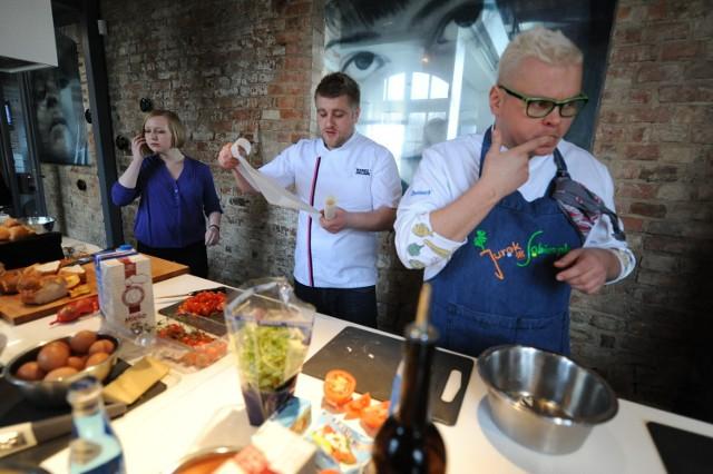 Tomasz Jakubiak prowadzi w Poznaniu warsztaty kulinarne