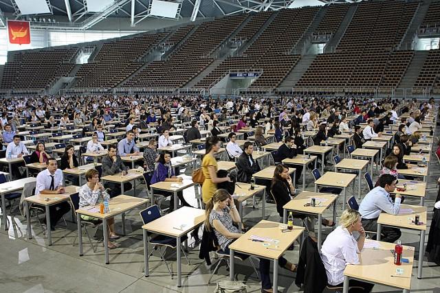 Do egzaminu lekarskiego podeszło w tym roku 1600 osób