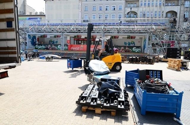 Rozbieranie konstrukcji Strefy Kibica rozpoczęła się w poniedziałek wcześnie rano i potrwa do końca tygodnia