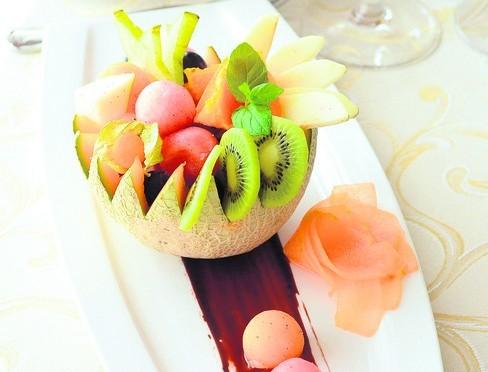 Przepis na sałatkę owocową w melonie