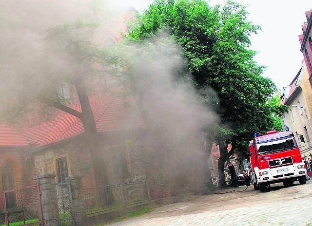 Pożar w świdnickiej katedrze na szczęście udało się szybko ugasić.