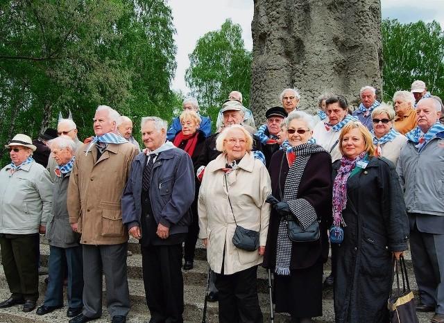 Grupa byłych więźniów KL Stutthof 67 lat po wyzwoleniu niemieckiego obozu zagłady