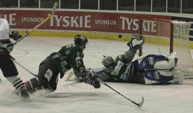 Zdaniem klubowych działaczy po reformie rozgrywek ligowy hokej znajdzie się w opałach