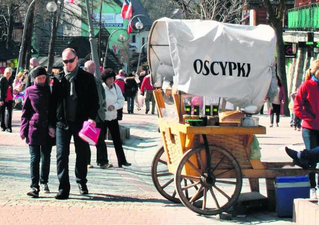 Sprzedawcy oscypków zarabiają miesięcznie do 15 tys. zł