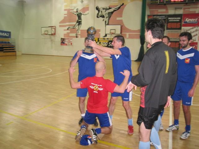 Radni zagrali w piłkę z radnymi