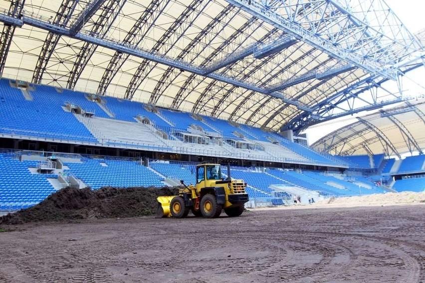 To już ósma zmiana murawy na stadionie przy Bułgarskiej -...