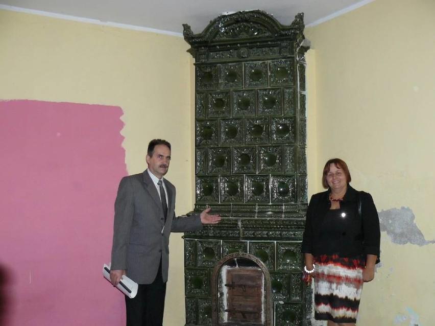 W Domu Młynarza znajdował się także piękny neorenesansowy piec kaflowy, rok 2012